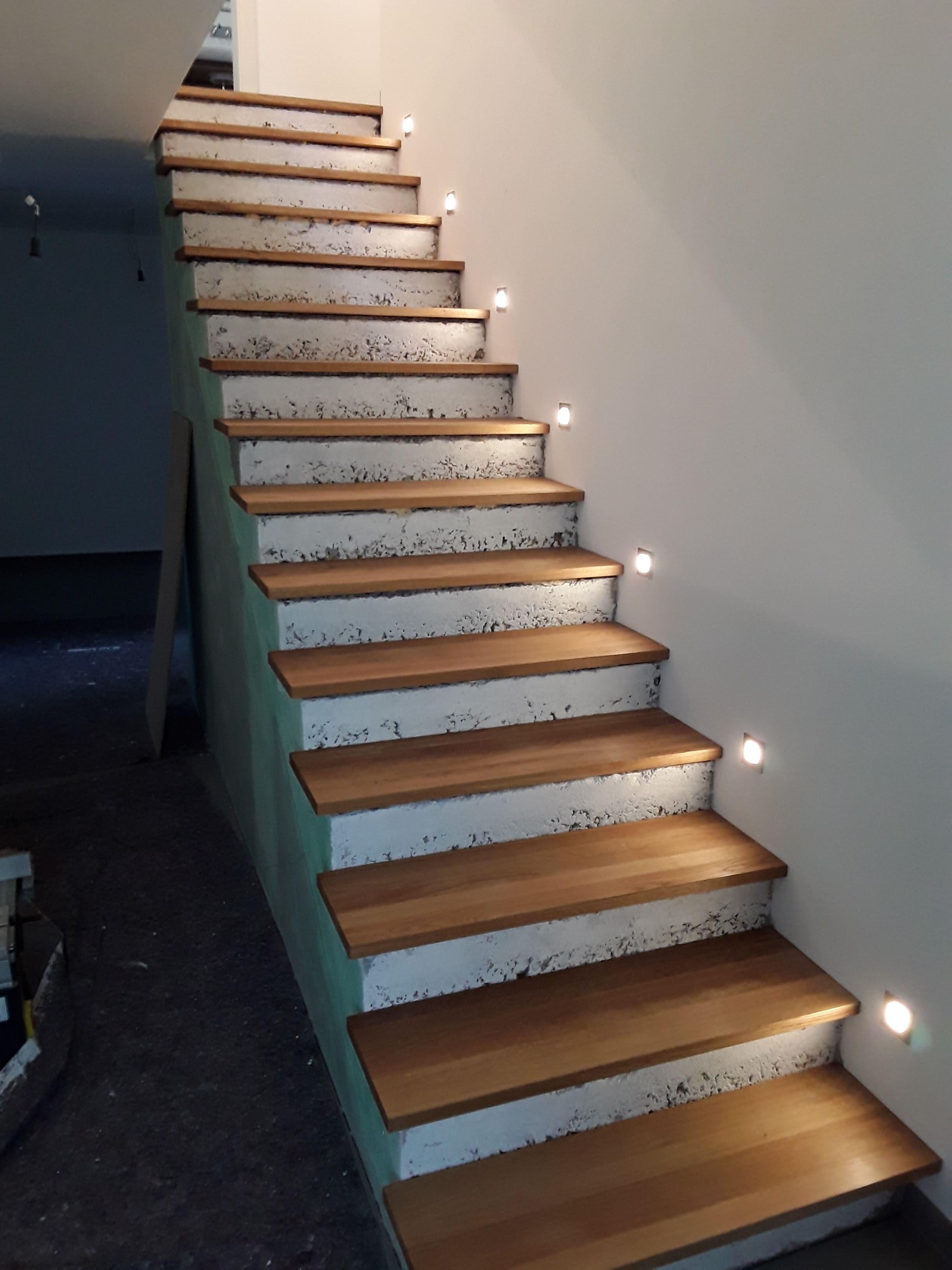 neue holzstufen für betontreppe, eiche massiv by schreinerei bock in